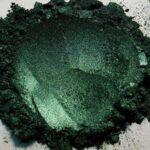 vihreä metalliväri
